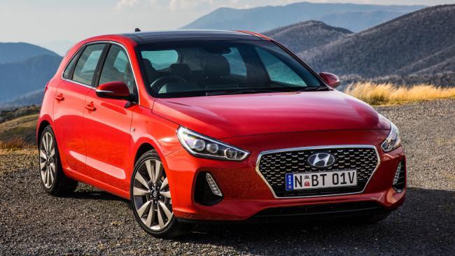 Hyundai has teamed up with peer-to-peer car sharing service Car Next Door.