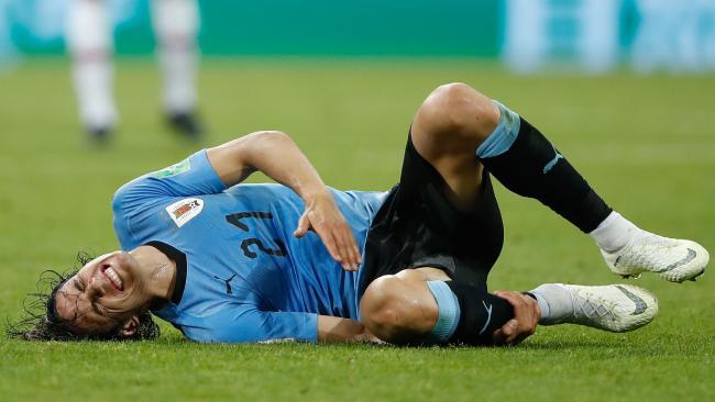 Uruguay's forward Edinson Cavani has to climb a huge mountain to come up in time.