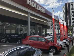 Car dealers overstocked and slash 2018-plate vehicles