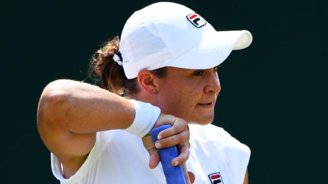 Ash Barty has blown a golden opportunity at Wimbledon, falling to Russia's Daria Kasatkina in straight sets.