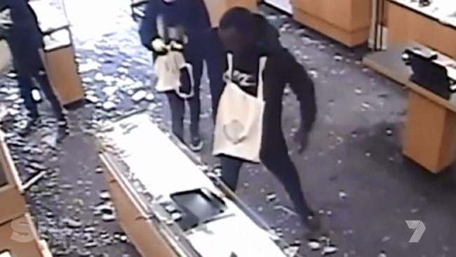 A group of men rob a Melbourne jewellery store.