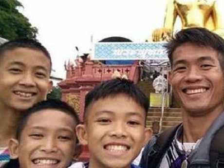 Rescuers save boys and their coach from Thailand cave