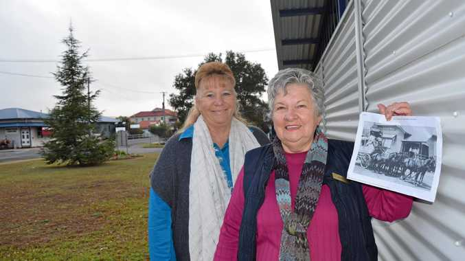 SPLASH OF COLOUR: Lian Miller (left) and Jenny Warren are looking to install a series of murals around Killarney.