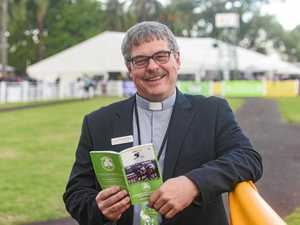 Reverend helps racegoers with prayer (but not picks)