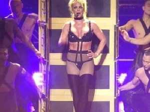 Britney suffers on-stage wardrobe malfunction
