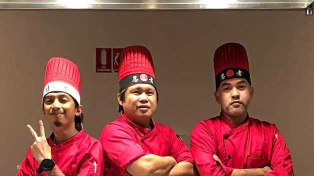 Yen Teppanyaki Noosa: The chefs provide the food and the entertainment.