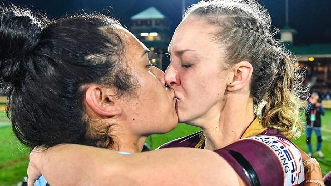 Touching truth behind iconic Origin kiss