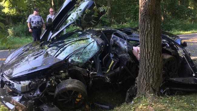A wrecked McLaren 720S. (Photo: Fairfax County PD)
