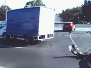 Dashcam shows horror truck smash
