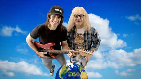 NRL 360's Paul Kent and Ben Ikin channel Wayne and Garth from Wayne's World for the NRL's Retro Round.