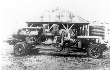 A six inch naval gun bound for Fort Bribie on Bribie Island, ca 1939.
