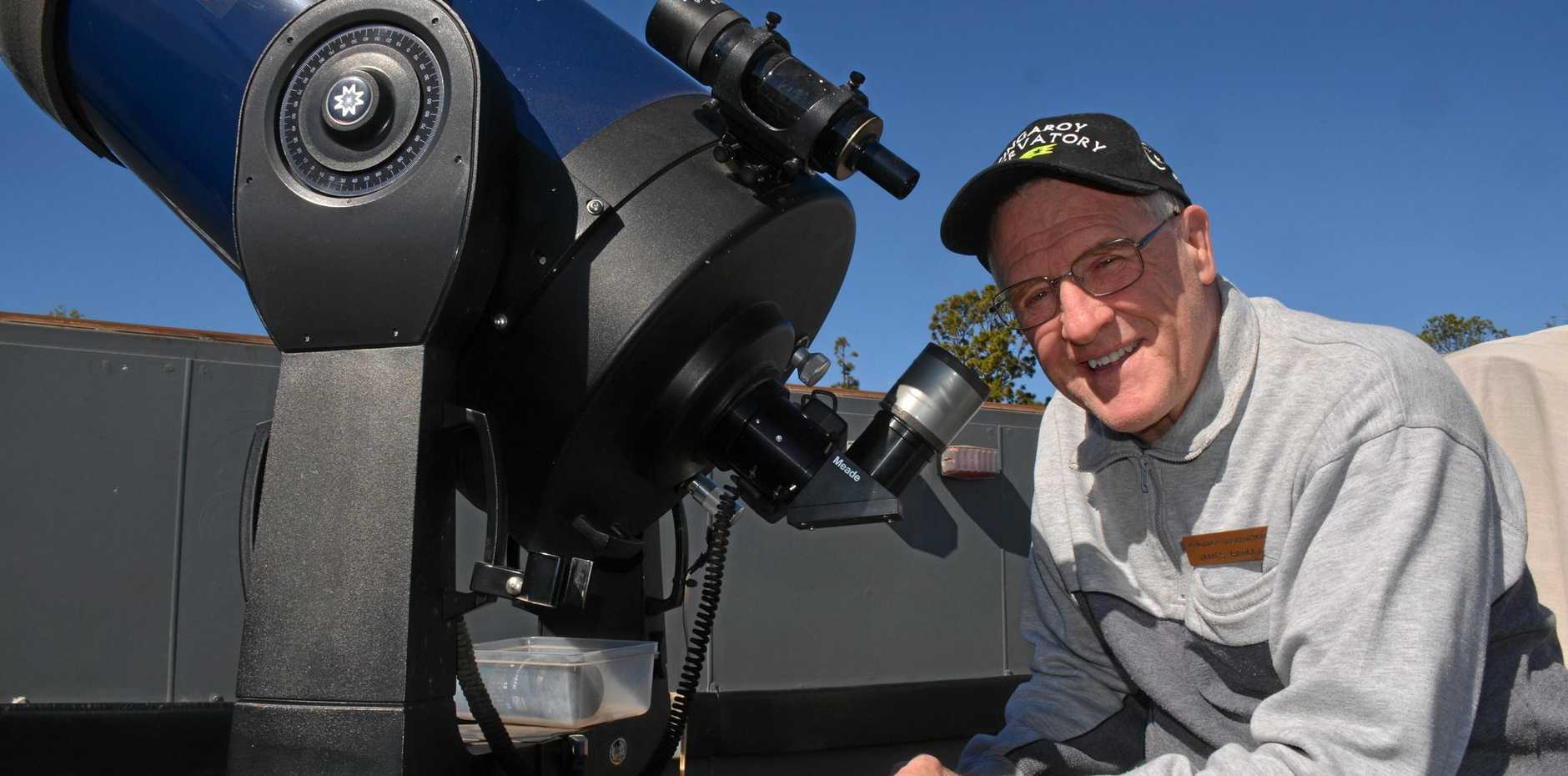 Kingaroy Observatory owner James Barclay will hold special one-hour sessions to spot Mars, Jupiter and Saturn.