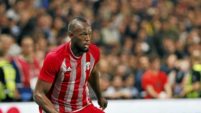 BEHIND THE SPORTS DESK: Should Usain play in the A-League?