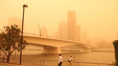 Victoria Bridge in Brisbane during the Eastern Australian dust storm.