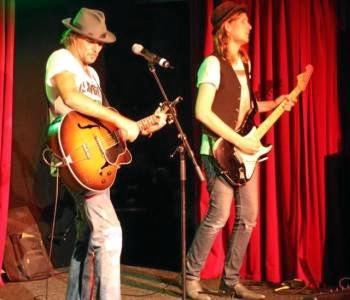 Mescaliot Blues duo.
