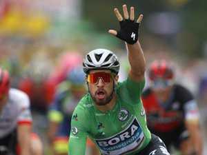 Super Sagan closing in on historic Tour glory