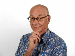 Science fans rejoice, Dr Karl is coming to the Coast