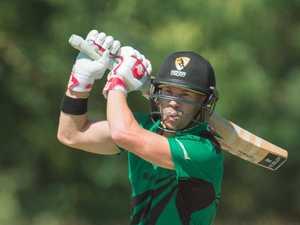 Warner makes statement in first weekend back in Aussie cricket