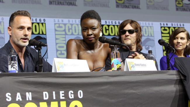 Lincoln (left) shared the news with fans at Comic-Con. (Photo by Jesse Grant/Getty Images for AMC)