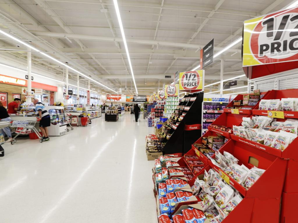Coles and Wollies were beaten by ALDI Austrlaia in Canstar Blue's report. Picture: Lachie Millard