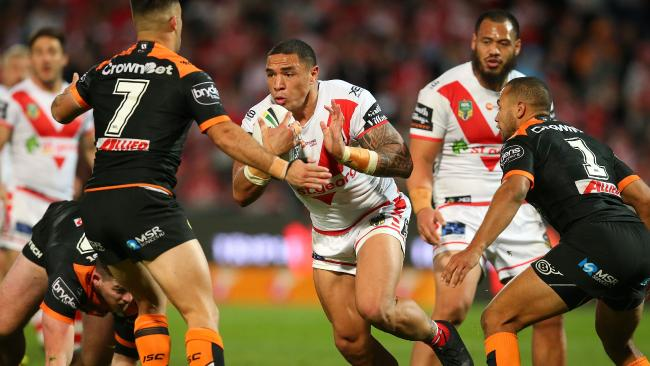 Tyson Frizell is a welcome return for the Dragons. (Photo by Jason McCawley/Getty Images)