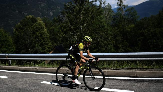 Great Britain's Adam Yates rides during a breakaway in the 16th stage of the 105th edition of the Tour de France cycling race, between Carcassonne and Bagneres-de-Luchon, southwestern France, on July 24, 2018. / AFP PHOTO / Jeff PACHOUD