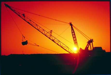 EXPANSION PLANS: Dragline at dusk at Goonyella Mine.