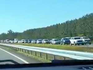 'Huge' Bruce Highway blockage creates traffic crawl