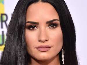Demi's 911 call: 'No sirens, please'