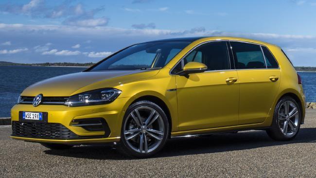 2017 Volkswagen Golf 7.5 R-Line & Golf