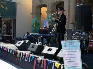 Stroll & Swing takes over Palmerin St