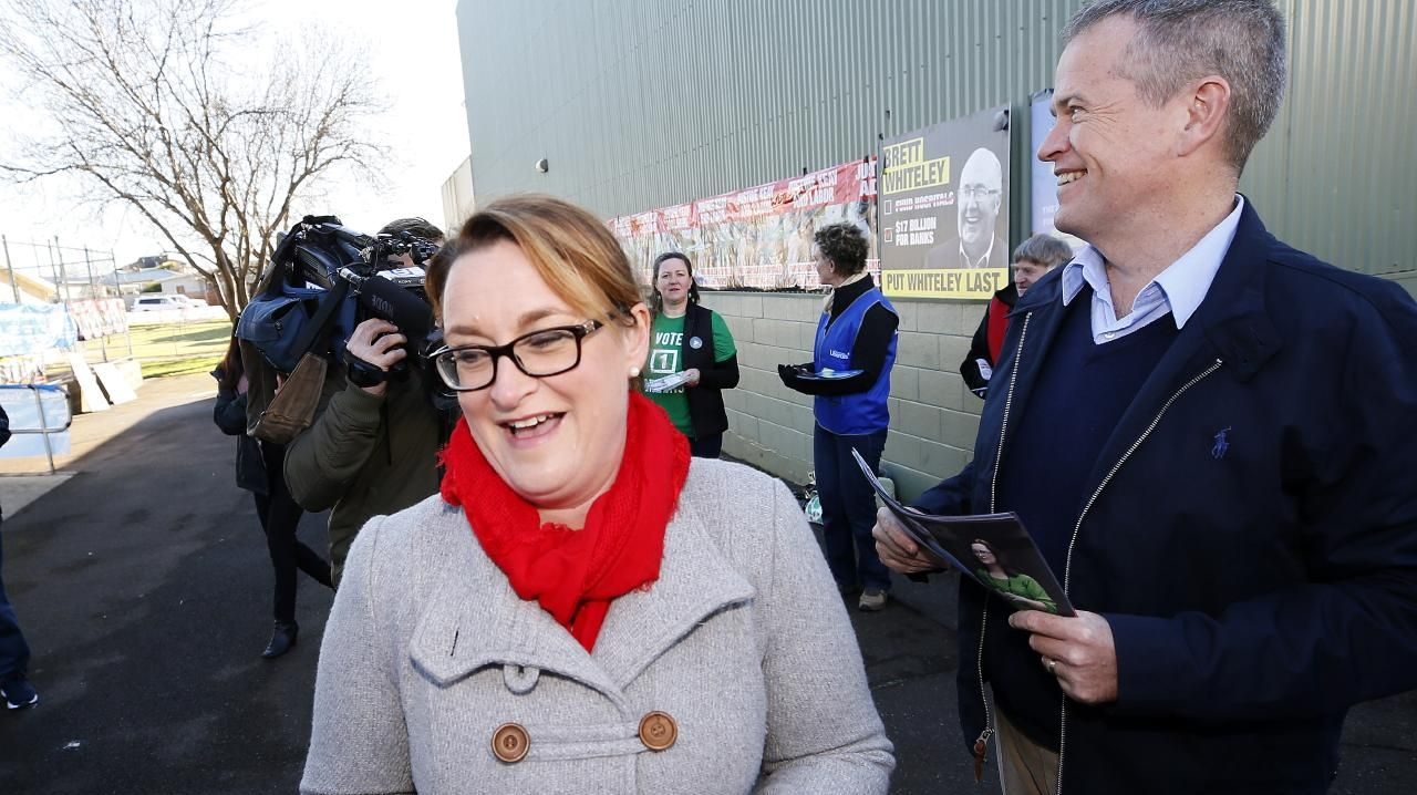 Justine Keay and Bill Shorten in Devonport this morning. Picture: CHRIS KIDD