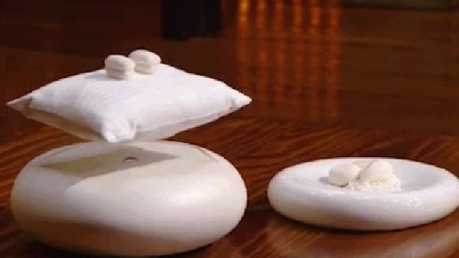 MasterChef's impressive 'floating pillow' dessert.