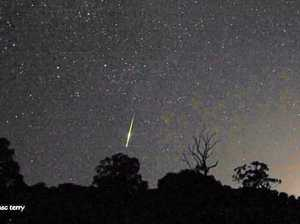 'Big green fireball' lights up Queensland sky