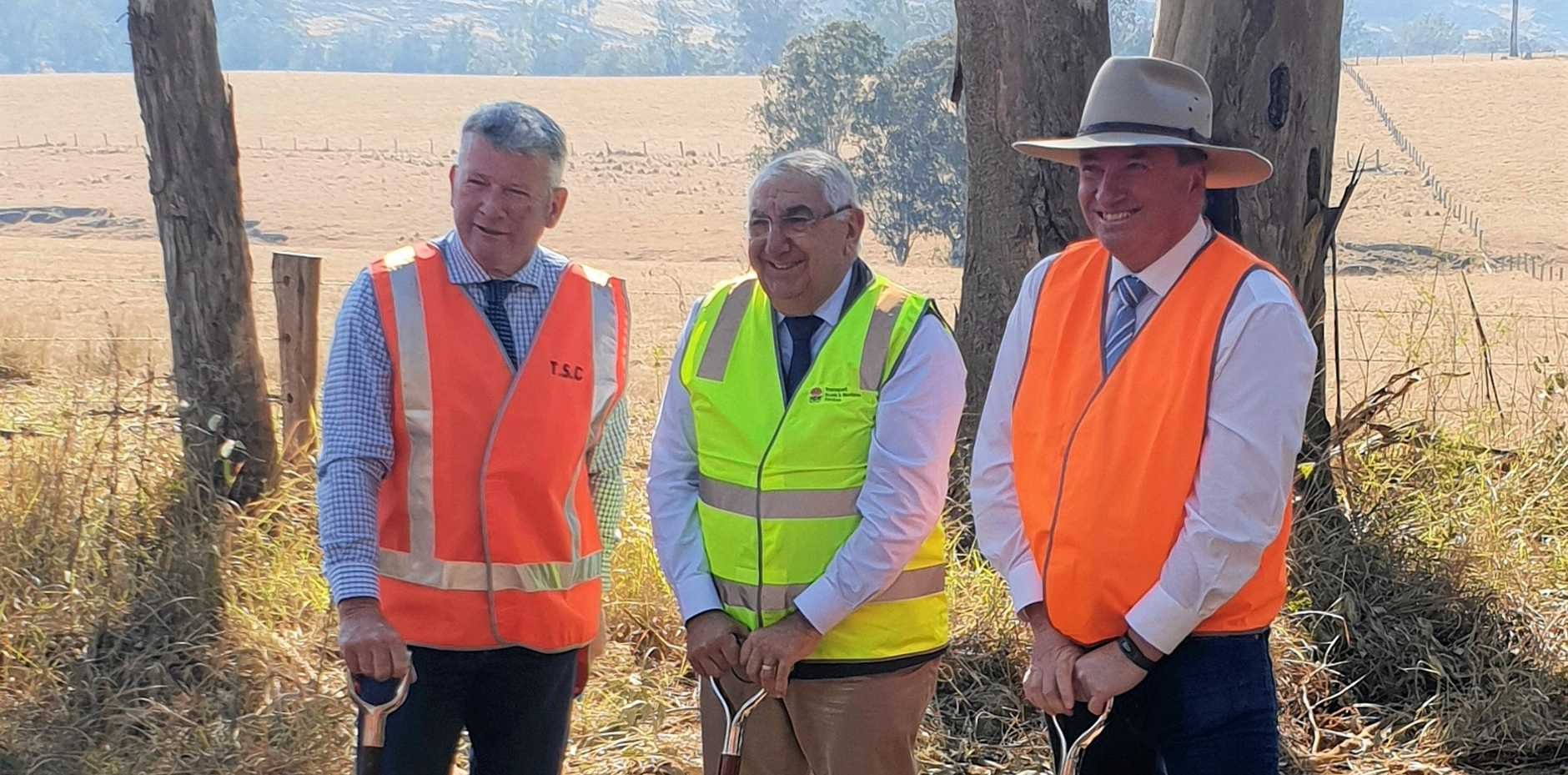 Peter Petty, Thomas George and Barnaby Joyce at the Mt Lindesay Rd sod turning
