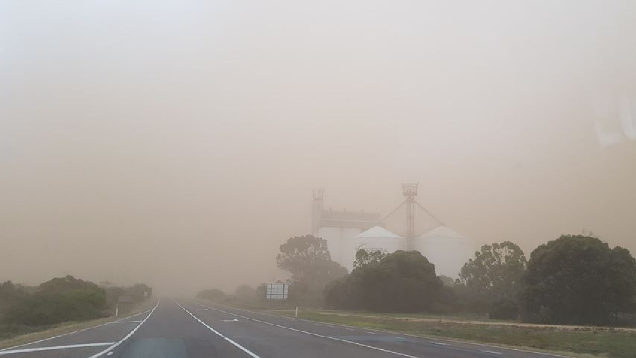 The dust storm on the road from Arno Bay to Cleve. Picture: Ronda Collins
