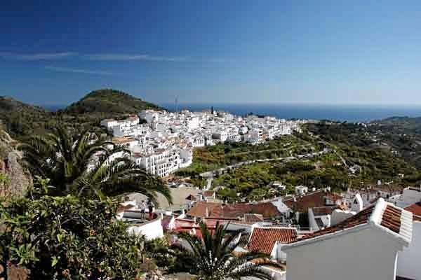 Frigiliana has sweeping mountain views, sunny squares and lemon trees along the lanes.