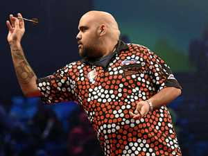 Auckland champ survives tough first round