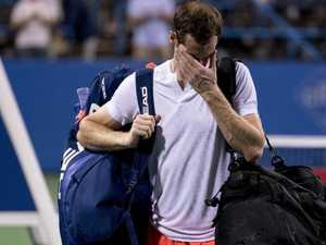 Clock works against tearful Murray