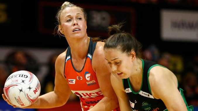 Giants captain Kim Green looks to pass against the Fever on Saturday night. Picture: AAP