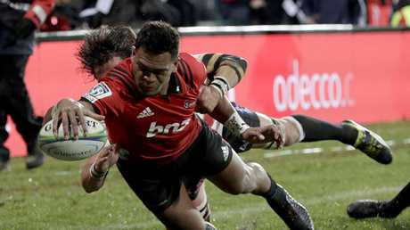 Seta Tamanivalu dives over to score his team's first try against the Lions in the Super Rugby Final.