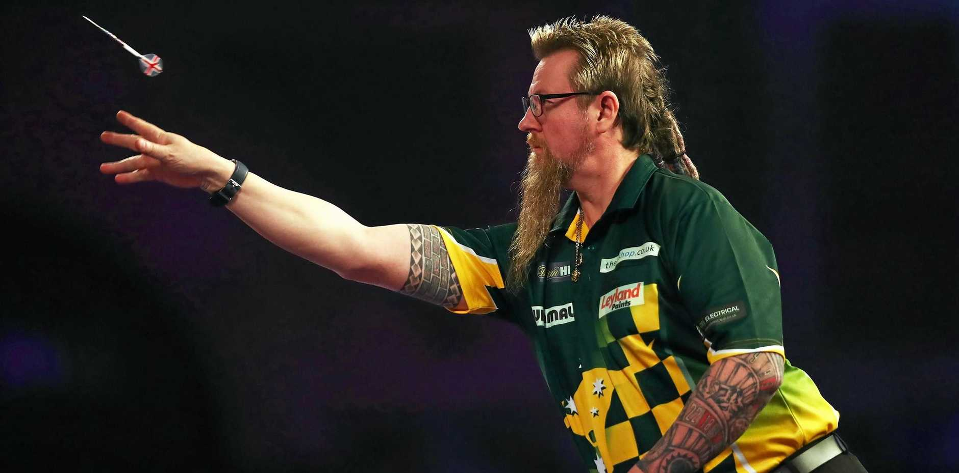 Simon Whitlock is through to the semi-finals of the Auckland Masters darts tournament.