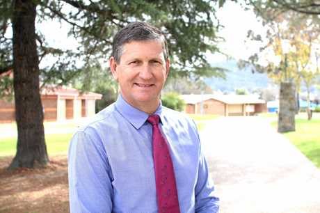 JOINING IN: Former Member for Southern Downs Lawrence Springborg will chair the committee who are pushing for de-amalgamation of the Southern Downs.