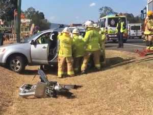 Chaos on Toowoomba range as truck smashes into cars