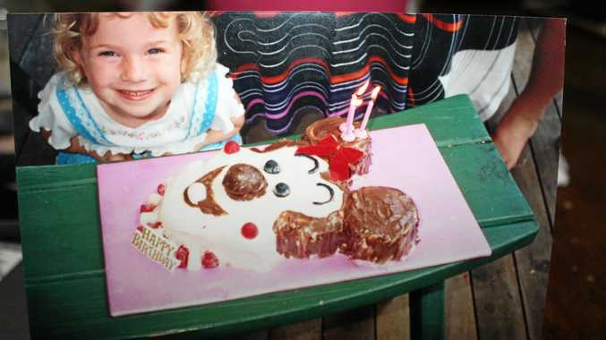 The Woman's Weekly Birthday Book was a great source of inspiration for cakes in the 1990s.
