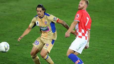 The Newcastle Jets easily beat Gold Coast United.