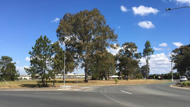 Woolworths' in-house property division Fabcott Pty Ltd withdrew an application for a supermarket on this site but says it plans to revise the application.