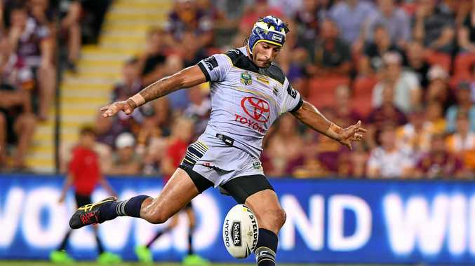 Johnathan Thurston kicks a field-goal to seal victory for the Cowboys over the Broncos in 2017.