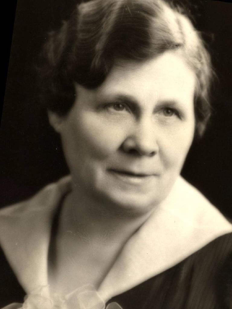 Dietitian Lenna Francis Cooper, circa 1920.