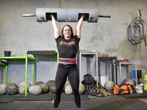 Power lifters battle it out for cancer